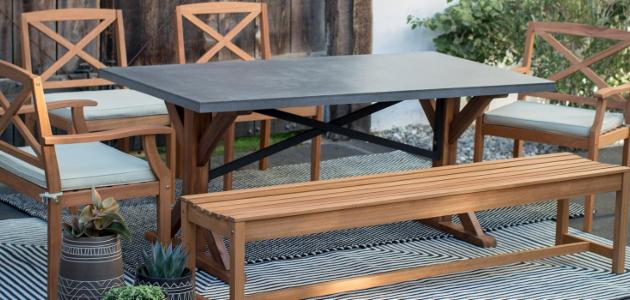Mixed Media: Concrete & Wood Outdoor Dining