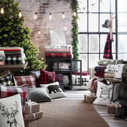 Winter Retreat: Holiday Pillows & Throws