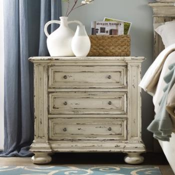 Hooker Furniture Sanctuary 3-Drawer Nightstand