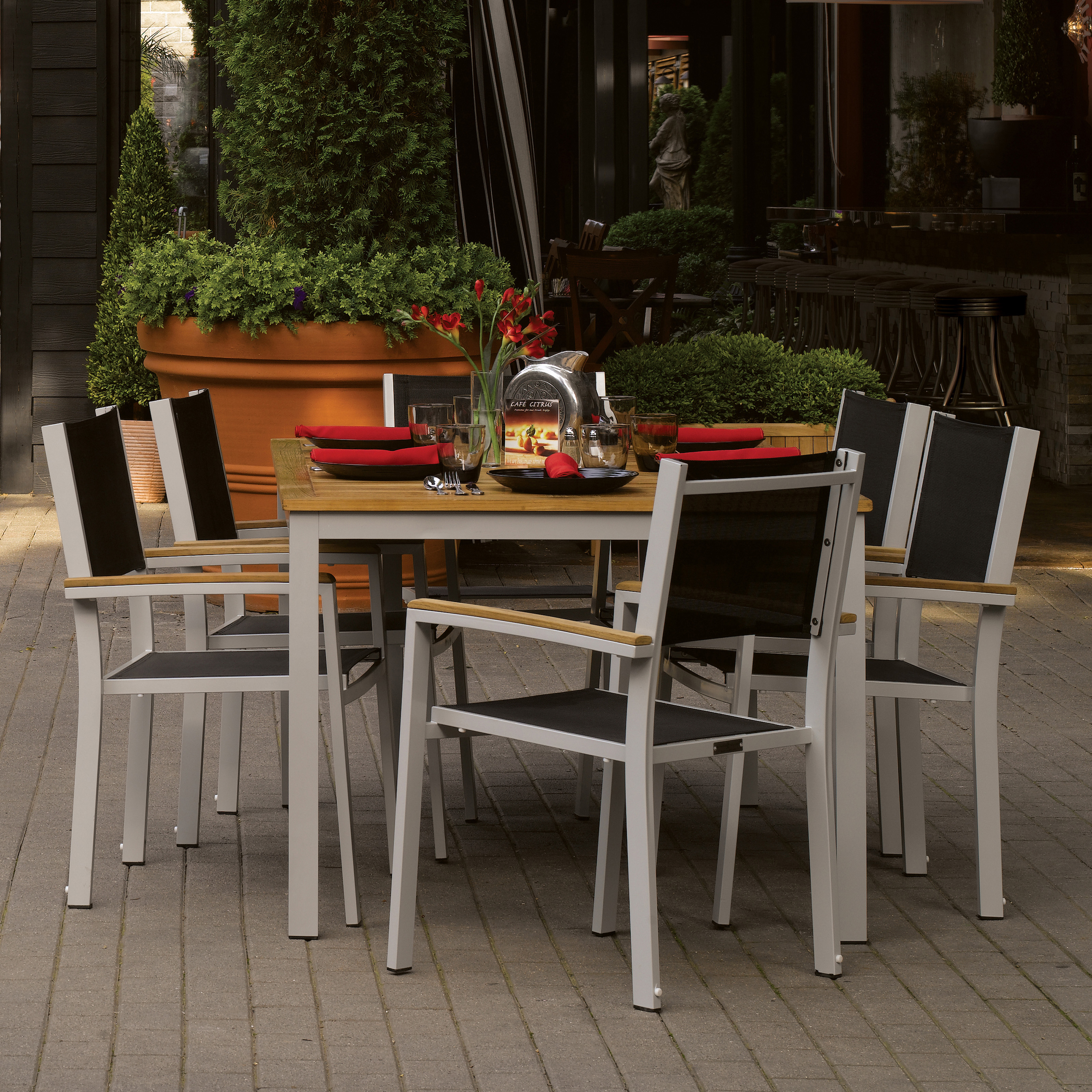 Oxford Garden Travira 63 in Patio Dining Set Seats 6