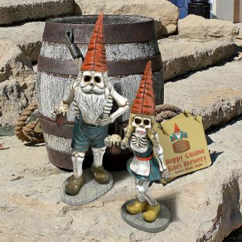 Design Toscano Bavarian Oktoberfest Skeleton Gnome Set